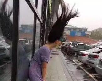"""最强台风""""天鸽""""来临现场"""