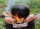 女子用火烤西瓜.jpg