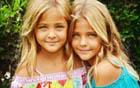 7岁双胞胎做模特