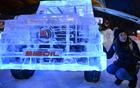 6吨冰装饰的奔驰