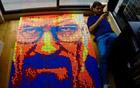 魔方堆砌名人肖像