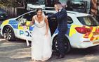 坐警车去婚礼现场.jpg