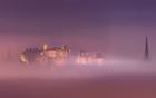 海雾下的魔幻城市.jpg