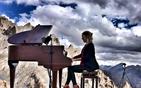喜马拉雅山上弹琴.jpg