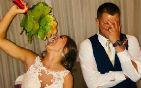 新娘婚禮上吃雞塊.jpg