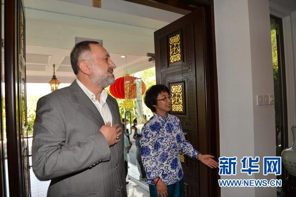 中国驻文莱大使馆举行开门迎宾活动 庆猴年新春