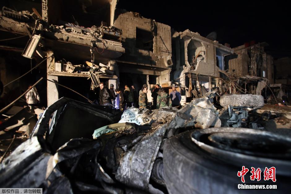 叙利亚霍姆斯发生连环爆炸 致近百人死亡