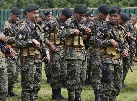 菲司令宣称已为南海最糟局面做好准备 监视中国导弹