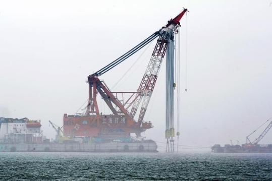 韩国起吊世越号 沉船事件回顾:304人丧生 多为中学生