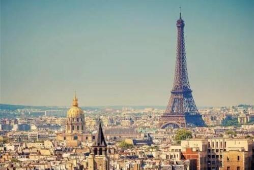 巴黎埃菲尔铁塔一段楼梯拍卖近400万元