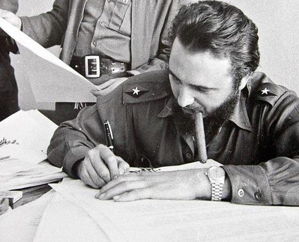 猪湾事件:卡斯特罗打赢美国雇佣军 令美方难堪