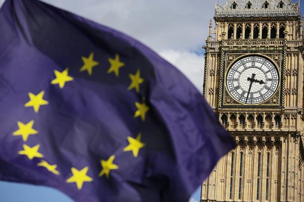 逾87万民众请求撤销脱欧协议 英国议会网站两次瘫痪