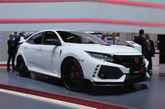 外媒3月8日报道,在刚刚开幕的2017年日内瓦国际车展上,本田第十代思域