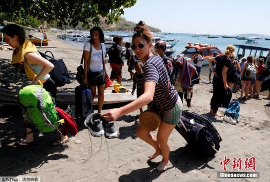 印尼龙目岛强震致98人死_北部重灾区八成建筑损毁