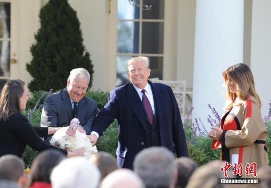 美政府停摆致白宫无法宴客 特朗普自掏腰包点快餐