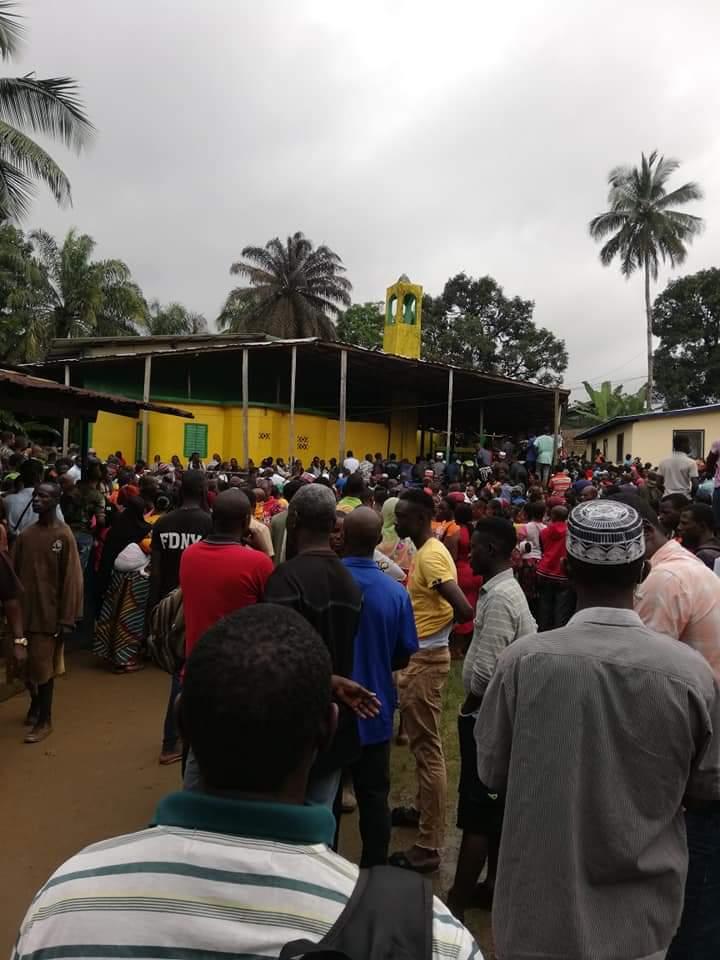 利比里亚一学校发生火灾已造成28人死亡