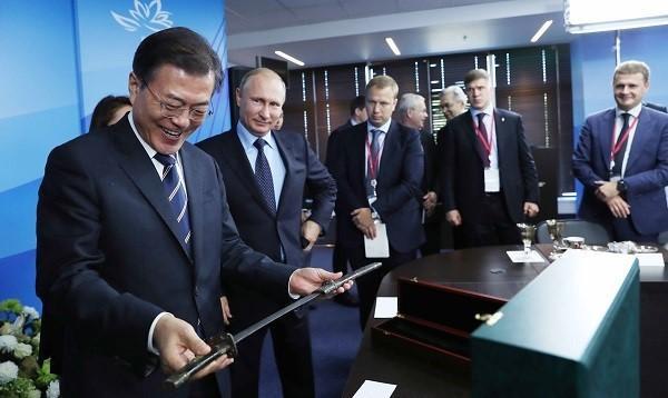 文在寅|文在寅邀请普京访韩 普京:打了俄罗斯疫苗就去