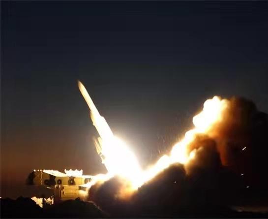 """伊朗举行""""天空卫士-1400""""年度防空演习"""