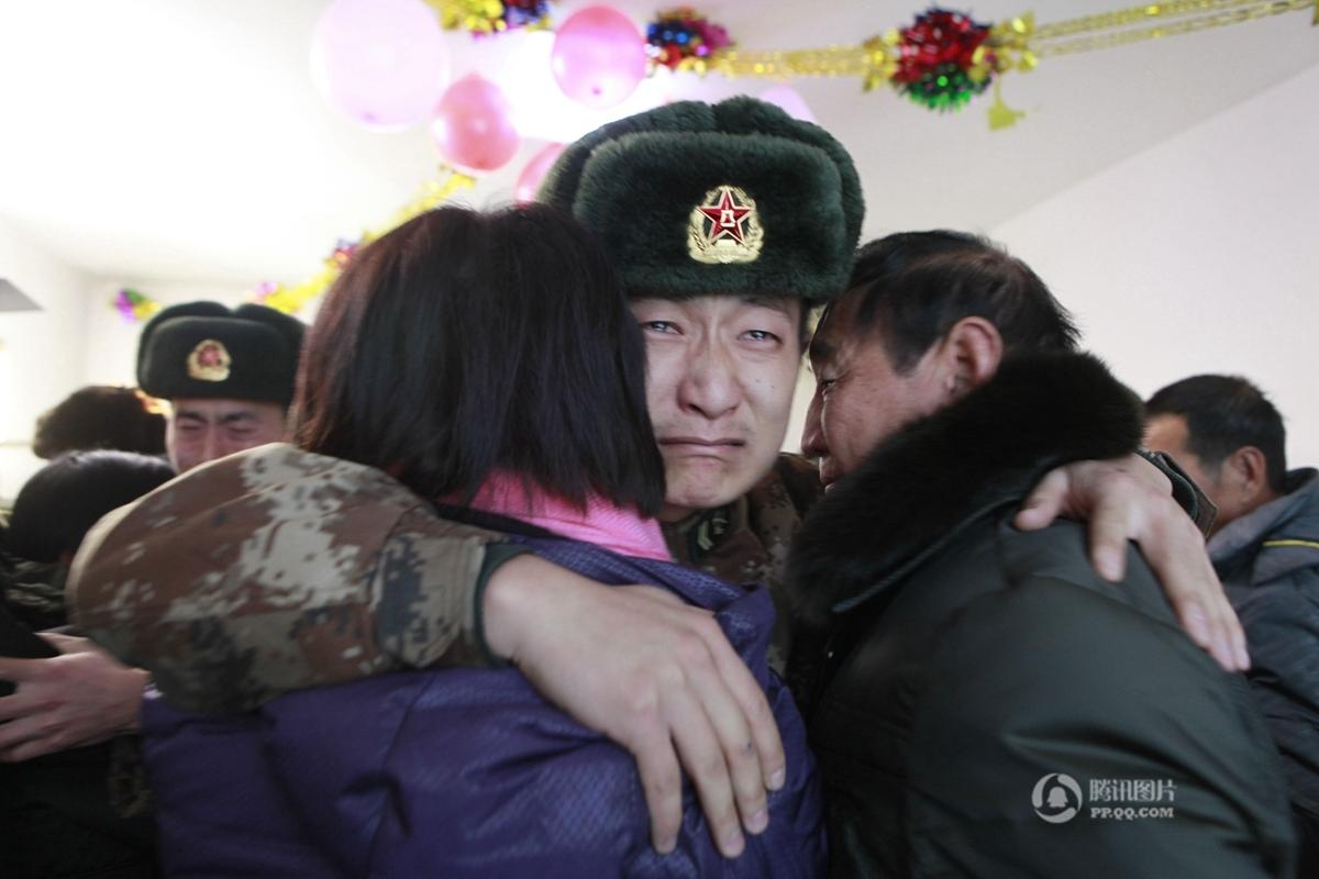 最可爱的人:黑河官兵在边关哨位上度过15个春节