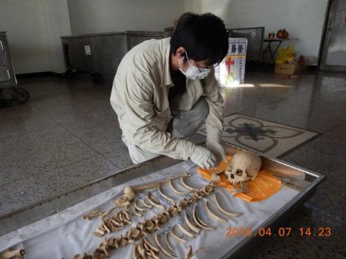 台湾花莲下水道挖出千年骨骸 险被当命案办