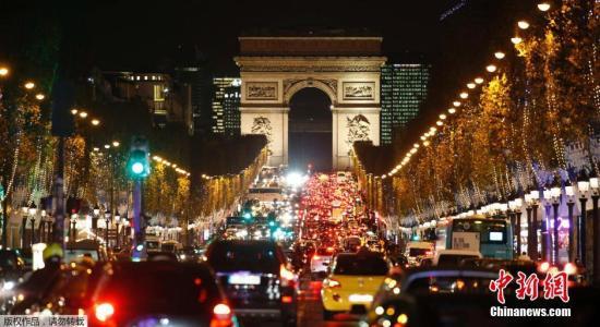 """香榭丽舍大道将定期变身""""步行街"""" 绿化巴黎"""