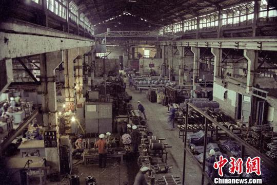 """重庆筛选400幅照片""""还原""""工业重镇"""