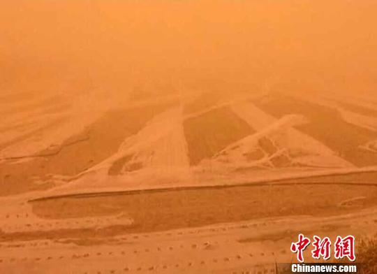 强风沙尘天致新疆且末县近5万亩棉花减产或绝收