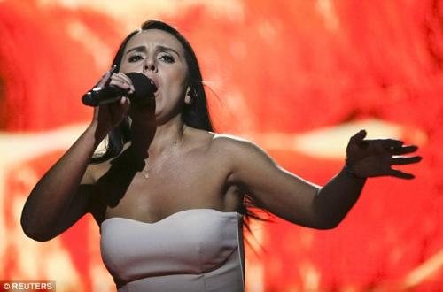 欧洲歌唱大赛全球瞩目中落幕 乌克兰女歌手夺魁?