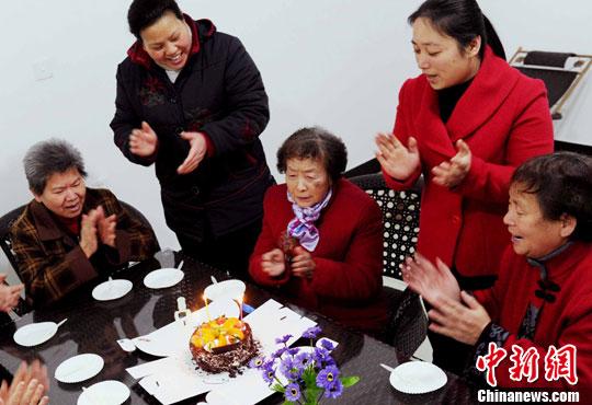"""北京发布居家养老""""养十条"""" 解决老人养住餐医等难题"""