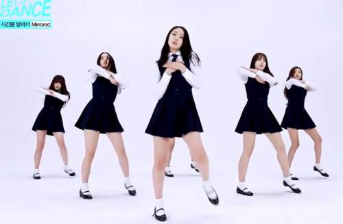 大陆女团MV被指抄袭韩国女团 服装、队型类似