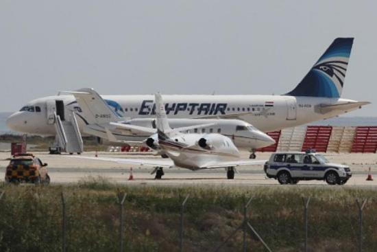 埃航载69人客机失联:或在希腊附近上空消失