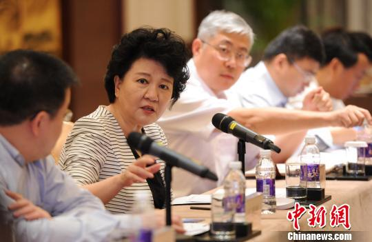 裘援平为温州侨商转型支招:建侨商跨境电商示范区