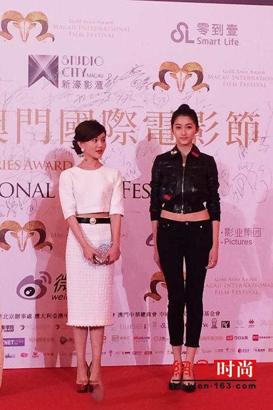 好先生 关晓彤演技赞 美腿 最佳CP短裙太美