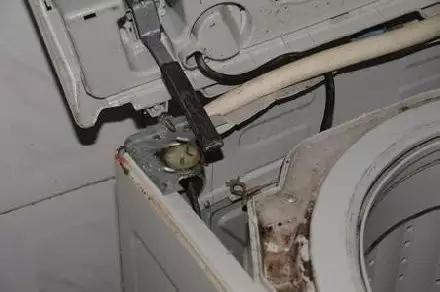 三星洗衣机炸裂 仅在北美召回中国不在其列(图)