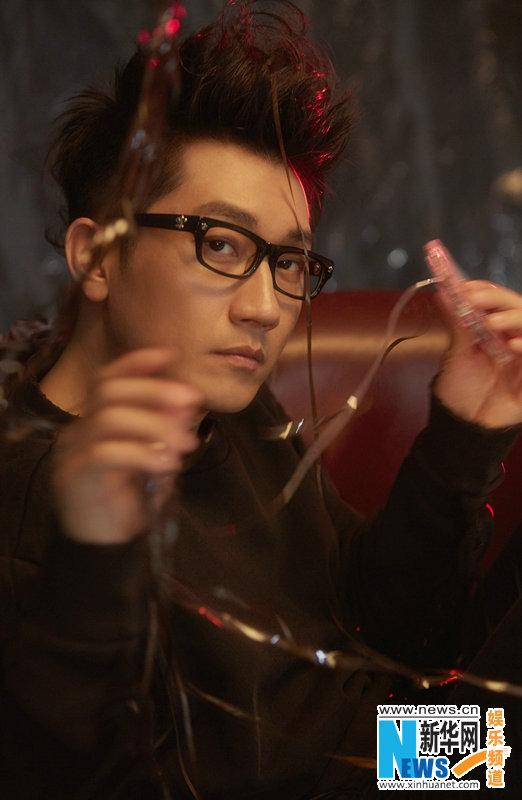 金志文新曲《迷途之光》首播上线 歌词传达正