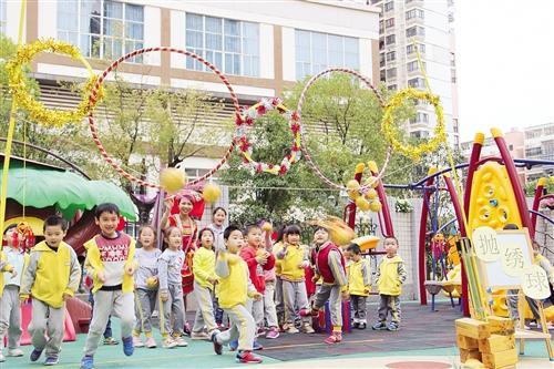 """青秀区辖区中小学,幼儿园开展了""""我们的节日·三月三""""系列活动,在丰富"""