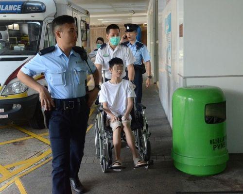 香港15岁少年涉嫌持刀非礼继母被捕 令人感到惊讶
