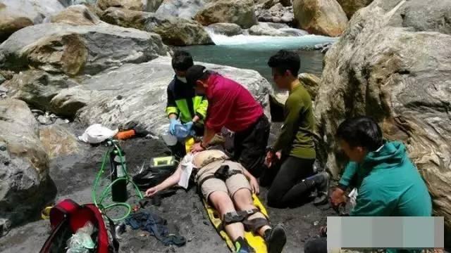 驰援发现女儿溺亡