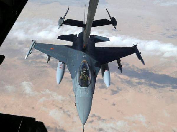 死亡的人???-yf_美军承认轰炸叙利亚清真寺 逾40人死亡