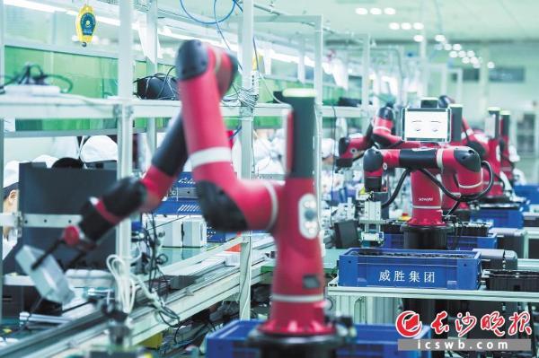 """韩振华表示,目前湖南电力行业企业在""""一带一路""""沿线国家拿下的电力"""