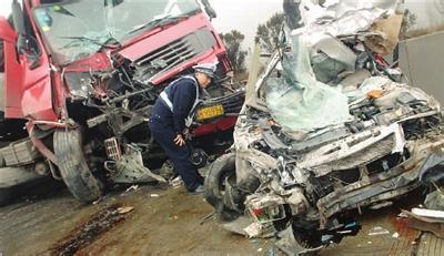 湖南郴州 4 3 翻车事故续 5名责任人被批捕