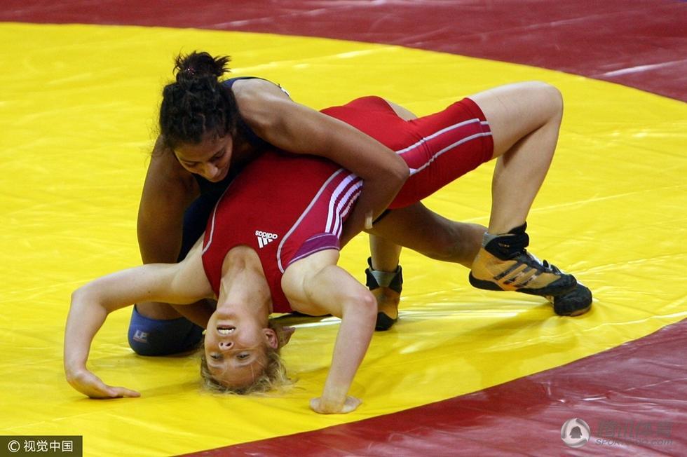 2010年10月7日,印度新德里,吉塔在2010英联邦运动会女子55公斤级摔跤