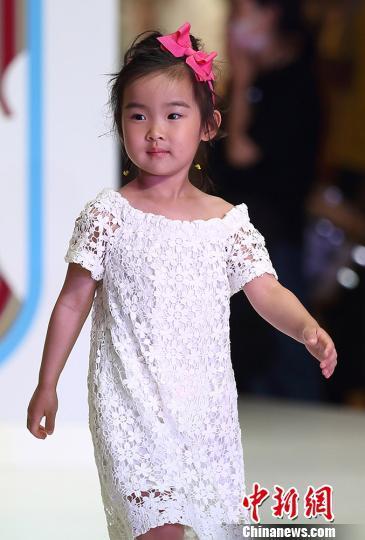 可爱的中国小萌娃