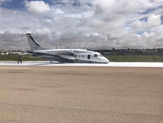 该飞机属于一家美国安全公司.