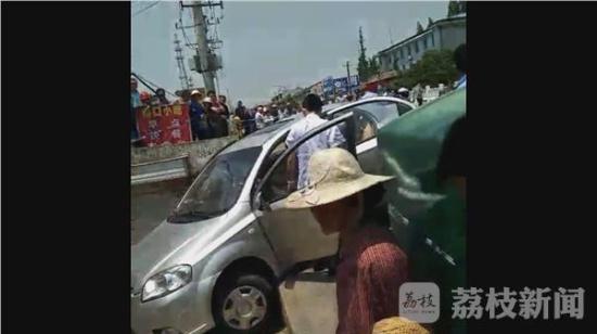 杀女友带尸逃跑 网友:现实生活上演大片电影情节