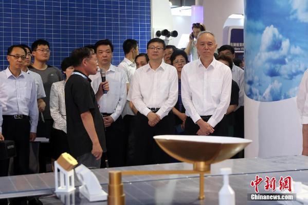 鲍秀英蔡奇_蔡奇,陈吉宁参观第二十届中国北京国际科技产业博览会