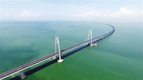 港珠澳大桥全线贯通