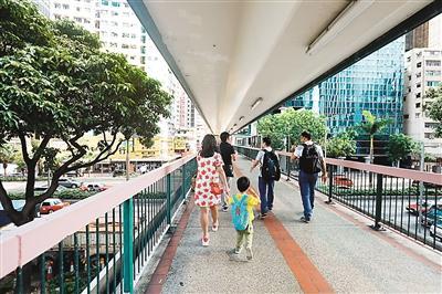 以中区行人天桥为例除了特区香港置地怡和信德集团等也