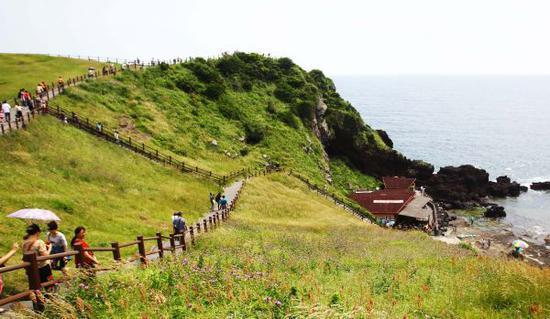 中国游客减少重挫韩国济州旅游市场 免税店经营困难