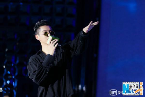 吴亦凡寄语嘻哈音乐人:坚持自己_不忘初心